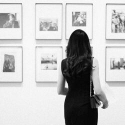 Lady in a gallery