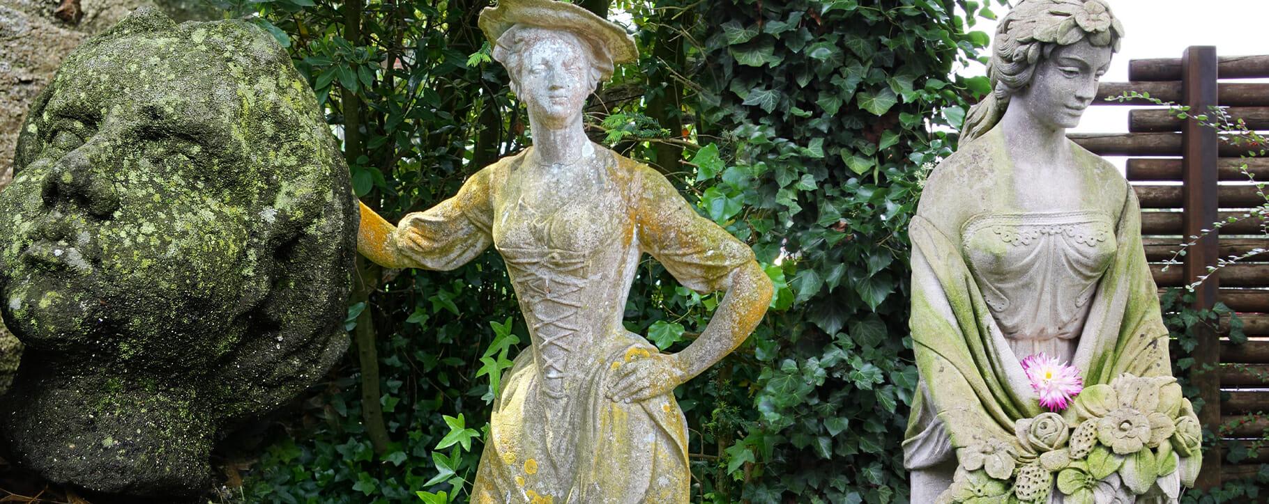 Statue Moss Lichen Damage